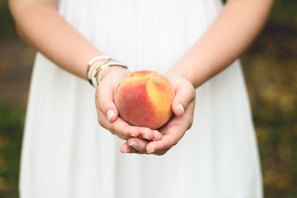 peach-698592_960_720