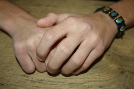 hands-1176846_960_720